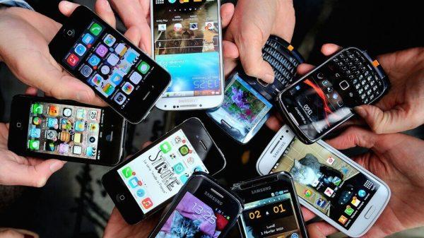 mai multe telefoane la un loc